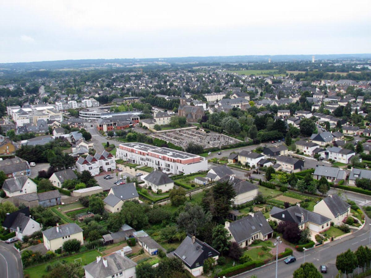 Chartres-de-Bretagne vue du ciel