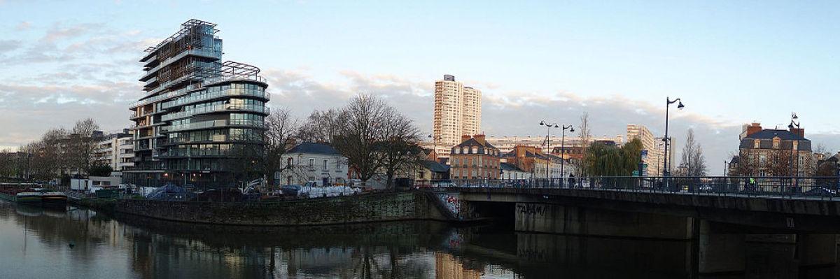 Les tours Horizons, les plus hautes tours de Rennes, vues depuis le quai de la Prévalaye