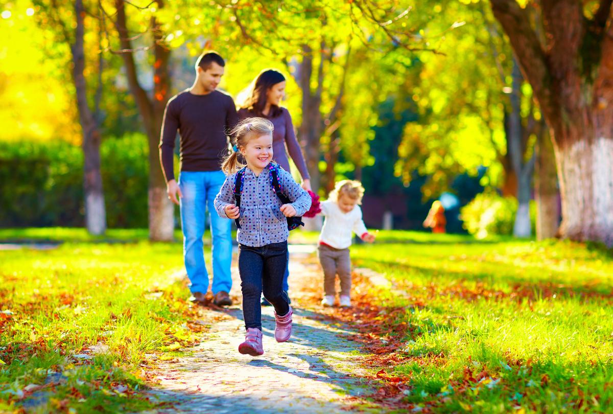 Famille dans un parc