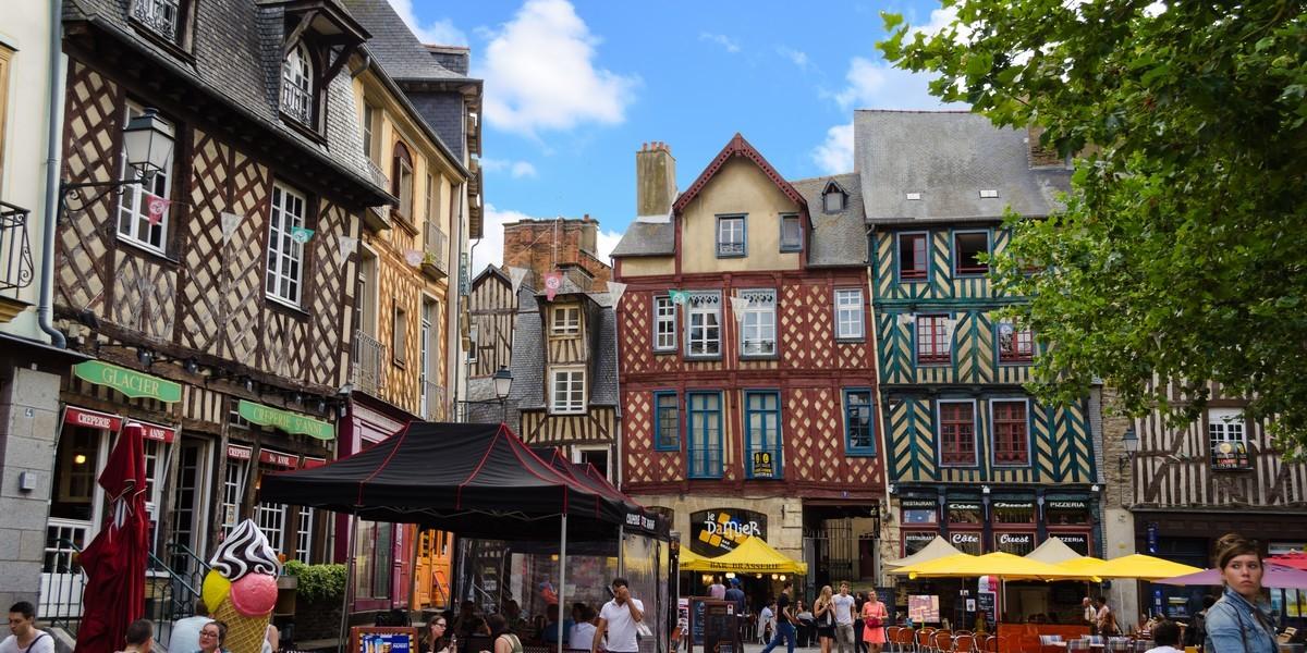 renegocier prêt immobilier - La place Sainte-Anne à Rennes