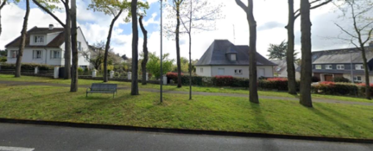 L'Avenue de La Hublais, avec ses belles maisons individuelles