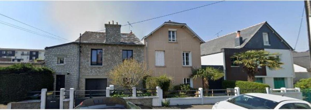 Une maison individuelle en pierre dans le quartier du Blosne, à Landrel