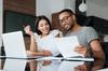 Taux immobilier à Rennes et en Bretagne – couple discutant de leur crédit immobilier
