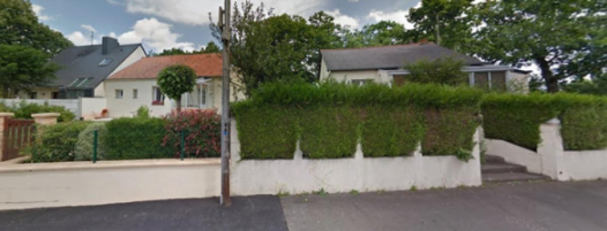 Des maisons avec un petit jardin à Longs-Champs