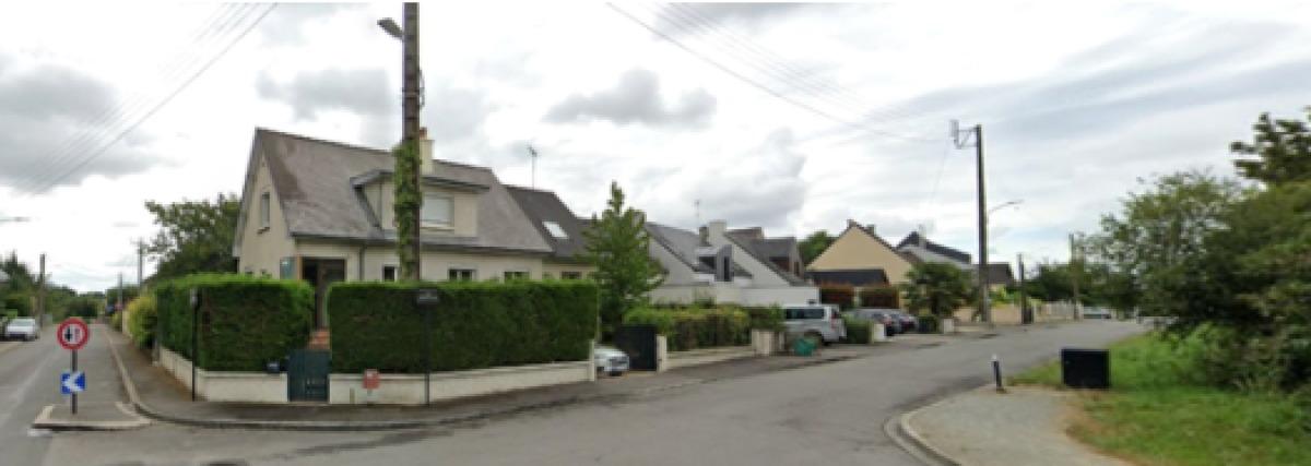 Des maisons avec jardin dans le centre-ville de Saint-Jacques-de-la-Lande