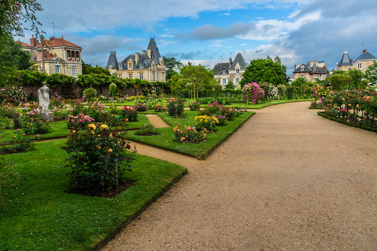 Histoire de l'architecture à Rennes - Vue sur le Parc du Thabor, jardin de la roseraie
