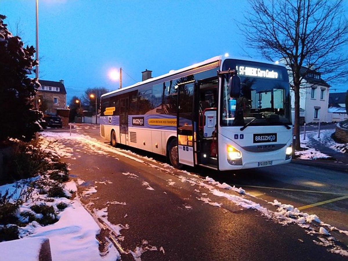 Transports en commun à Rennes - Car BreizhGo à Saint-Brieux