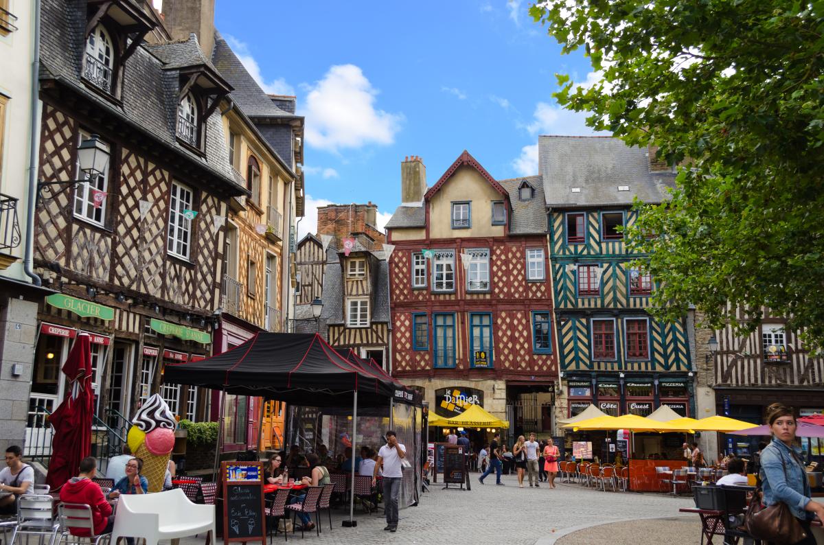 Immobilier neuf Rennes - La place Sainte-Anne à Rennes et son architecture à colombage typique