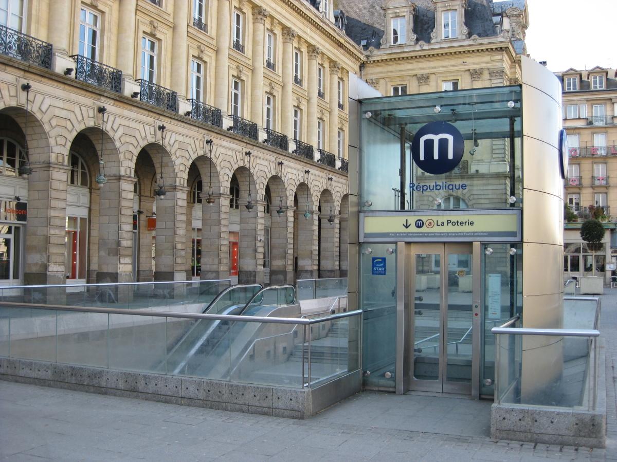 Ligne B du métro à Rennes - Entrée de la station République sur la ligne A